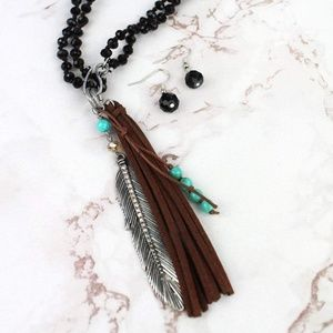 Jewelry - Feather & Tassel Dual Length Necklace Set